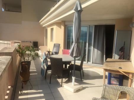 3 P de 40m2 / Terrasse 32 m2 + Parking +Internet / Bail étudiant
